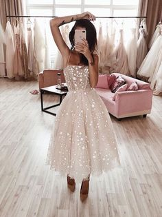Pinterest: SueThoughts Pretty Homecoming Dresses, Pretty Dresses, Beautiful Dresses, Dress Prom, Elegant Dresses, Casual Dresses, Dress Formal, Wedding Dress Midi, Romantic Dresses