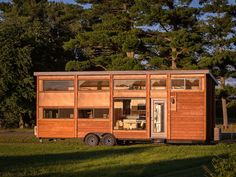 Tiny house with full-size appliances can sleep 8 - Curbed