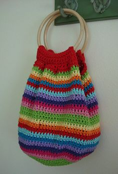 Fantastic crochet bag; I need to work out how to make one of my own.