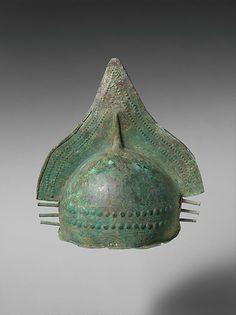 Bronze crested helmet