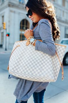 2018 LV Trends For Women Style,New Louis Vuitton Handbags Collection Neverfull Louis Vuitton, New Louis Vuitton Handbags, Gucci Handbags, Luxury Handbags, Purses And Handbags, Louis Vuitton Monogram, Designer Handbags, Louis Vuitton Diaper Bag, Vuitton Bag