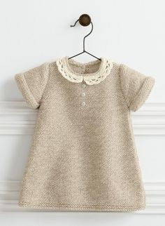 Ravelry: 782 - Lace Collar Dress pattern by Bergère de France - Kinder Kleidung Girls Knitted Dress, Knit Baby Dress, Knitted Baby Clothes, Baby Knits, Ravelry, Lace Knitting Patterns, Dress Patterns, Crochet Collar Pattern, Sweater Patterns