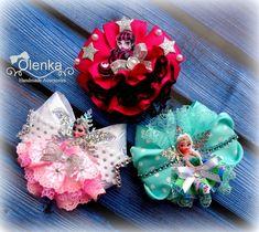 Фотографии Алены Москалевой Fancy Bows, Cute Bows, Girl Hair Bows, Girls Bows, Cute Crafts, Diy And Crafts, Kanzashi Tutorial, Disney Bows, Ribbon Sculpture
