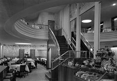 October 31, 1938: Interior view of Schrafft's Restaurant, 61 Fifth Avenue, New York City Photo: MCNY/Gottscho-Schleisner/Getty