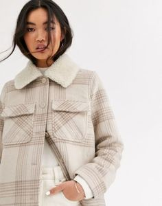 Buy & Other Stories jacket with borg collar detail in check print at ASOS. With free delivery and return options (Ts&Cs apply), online shopping has never been so easy. Get the latest trends with ASOS now. New Outfits, Winter Outfits, Cute Outfits, Fashion Outfits, Womens Fashion, Asos Fashion, Bikini Bandeau, Haut Bikini, Borg Jacket