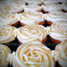 Diseño rosas cupcakes