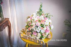 Foto por Arnaldo Peruzo ❤ Ligia & Camargão em Vila Velha/ES. Decoração de casamento romântica em candy colors com letras em MDF   Romantic wedding with candy colors