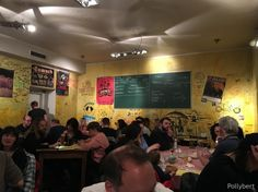 Thres nights in Berlin mean three different dinner places to explore. We started with pizza, moved on to burgers and finally had Vietnamese food. Vietnamese Food, Vietnamese Recipes, Dinner Places, Nice Dinner, My Friend, Friends, Berlin, Germany, Explore