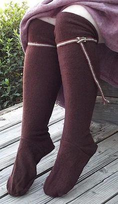 HE Stockings Boiled Wool - Historical Clothing Costume Viking, Viking Dress, Medieval Costume, Medieval Dress, Viking Woman, Viking Age, Historical Costume, Historical Clothing, Historical Photos