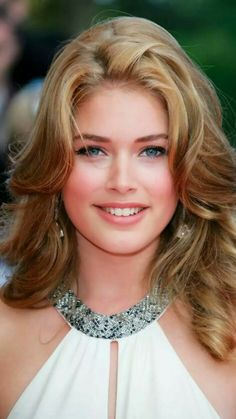 Foto Hollywood Actress Galleries HOLLYWOOD ACTRESS GALLERIES : PHOTO / CONTENTS  FROM  IN.PINTEREST.COM #ENTERTAINMENT #EDUCRATSWEB