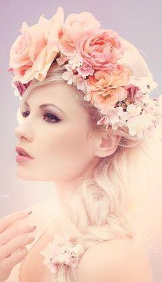 flowers in her hair Love Flowers, Flowers In Hair, Beautiful Flowers, Bridal Flowers, Shades Of Peach, Peach Blush, Floral Hair, Floral Crown, Costume Fleur