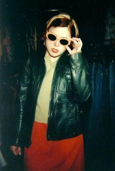 vintagesalt: Corin Tucker from Sleater-Kinney, 1997 Corin Tucker, Angry Girl, Riot Grrrl, Women In Music, Post Punk, Girl Gang, Aesthetic Photo, Alter, Punk Rock