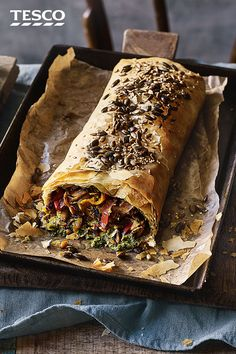 Swap your Sunday roast for a vegetarian feast This mushroom pepper and pesto strudel is filled with veg and wrapped in flaky filo for a simple baked weekend showstopper Tesco Veg Dishes, Savoury Dishes, Vegetable Dishes, Tasty Vegetarian Recipes, Vegetarian Roast Dinner, Vegetarian Sandwiches, Going Vegetarian, Vegetarian Breakfast, Vegetarian Dinners