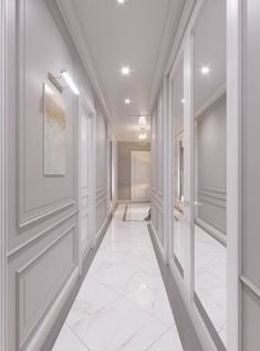 Wall molding and pictures lit Ceiling Design, Wall Design, House Design, Flur Design, Wall Molding, Moldings, Hallway Designs, Classic Interior, Hallway Decorating