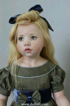 Amazing doll!