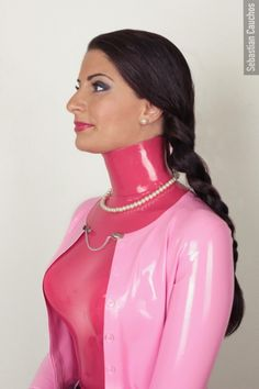 This is the style and imagery of Sebastian Cauchos. He does a remarkable job of showing the elegance, sophistication, and sexiness of latex through mainstream models and regular scenes. Fetish Fashion, Latex Fashion, Black Catsuit, Rubber Dress, Conservative Fashion, High Leather Boots, Cropped Cardigan, Pink Cardigan, Latex Dress