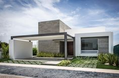 Modern House Design : Casa by ADI Arquitectura y Diseño Interior. Residential Architecture, Contemporary Architecture, Interior Architecture, Facade House, House And Home Magazine, Design Case, Minimalist Home, Modern House Design, Home Fashion