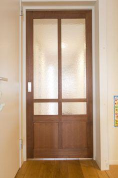 Cafe Door, Natural Interior, Bedroom Doors, Wood Doors, Door Design, Glass Panels, Windows And Doors, Sliding Doors, Glass Door