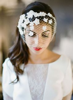 Here is today's hand-picked collection of gorgeous wedding hairstyles. They are the perfect addition to any bridal look! Wedding Hats, Mod Wedding, Wedding Hairstyles With Veil, Bride Hairstyles, Veil Over Face, Bridal Veils And Headpieces, Fascinators, Bridal Hat, Bridal Rings