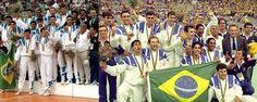 """Momento historico! Em 1992, num domingo de Dia dos Pais, José Roberto Guimarães comandava uma equipe extremamente jovem rumo à conquista do primeiro ouro coletivo do Brasil em Jogos Olímpicos: Os """"meninos de ouro"""" do voleibol conquistam a primeira medalha de ouro em olimpiadas. Mais de 20 anos e o voleibol ainda continua fazendo bonito!!"""