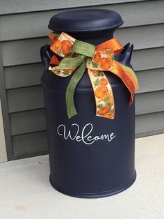Welcome Decal for Milk Can, Front Door or other Front Porch Decor (Decal Only) Diy Fall Wreath, Fall Diy, Old Milk Cans, Milk Jugs, Antique Milk Can, Milk Can Decor, Painted Milk Cans, Front Door Signs, Fun Arts And Crafts