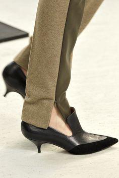 Céline Fall 2011 Ready-to-Wear Accessories Photos - Vogue