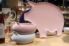 Pig Bowls and Platter This Little Piggy, Little Pigs, Pig Kitchen, Tout Rose, Piggly Wiggly, Pot Belly Pigs, Pig Pen, Pig Roast, Mini Pigs