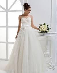 Resultado de imagen para vestidos de novias hermosos y sencillos corte princesa