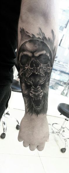 #skull&wolftatto #blackwolf