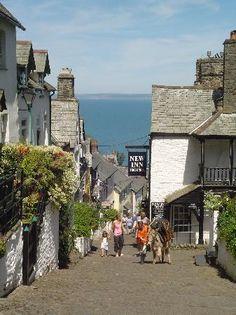 Village of Clovelly, North Devon Have walked this street! Beautiful Islands, Beautiful Places, Plymouth, Devon England, Devon Uk, Visit Devon, Ireland Hotels, Devon Coast, Devon And Cornwall