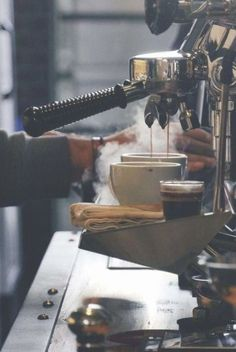 La Semana del Café llega a CDMX con actividades que incluyen una cata de habanos, exposiciones y un Coffee Barista, Coffee Latte, Best Coffee, Iced Coffee, Coffee Drinks, Coffee Cups, Coffee Americano, Coffee Icon, Coffee Logo