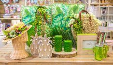 Siéntete tropical... Nueva colección de #verano para decoración y hogar.  #decoracion #interiorforyou #interiordesignideas #interiordecorating #interiorforinspo #interiordesire #interiorstyle #interiorandhome #interiores #PlantasTropicales #pineapple #cactus #tropical