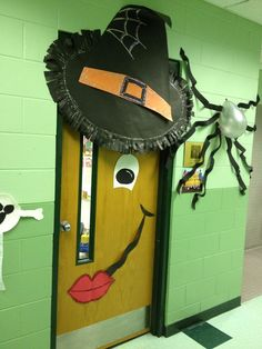 Don't ask me how I made this jump. Cute spider decoration... use black streamers to create an Eiffel tower outside the door for Halloween as part of the ambiance for my costume...