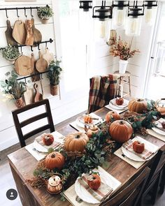 Best Farmhouse Fall Inspiration The Best Farmhouse Fall Decor Inspiration - A huge collection of Farmhouse fall decorating ideas that are completely on-trend, showcasing neutral color palettes with natural materials. The Best Farmhouse Fa. Thanksgiving Decorations, Seasonal Decor, Halloween Decorations, Thanksgiving Table Settings, Seasonal Flowers, Indoor Fall Decorations, Rustic Thanksgiving Decor, Hosting Thanksgiving, Harvest Decorations