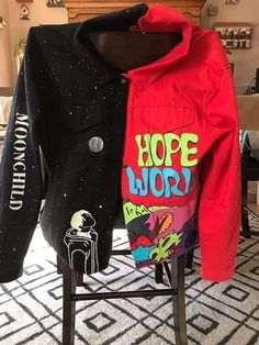 """""""So I've been working on a mono / Hope world jacket for my concert and here it is in day vs night. Painted Jeans, Painted Clothes, Custom Clothes, Diy Clothes, Kpop Outfits, Fashion Outfits, 90s Fashion, Mode Hip Hop, Mode Kpop"""