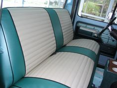 classic retro seat upholstery - Google Search Chevy Pickup Trucks, Chevy Pickups, Custom Classic Cars, Seat Covers, Car Seats, Upholstery, Retro, Google Search, Art