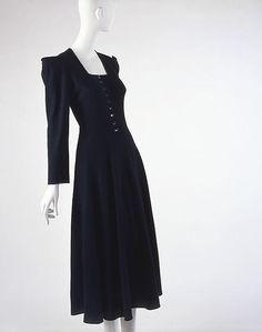 Dress Designer: Valentina (American, born Russia, 1899–1989) Date: ca. 1940 Culture: American Medium: wool
