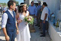 Stylish boho γαμος ,ΓΑΜΟΣ ΣΕ ΣΤΥΛ BOHO,boho στολισμος γαμου ,CHIC ΚΑΛΟΚΑΙΡΙΝΟΣ ΓΑΜΟΣ σέ γραφικό ξωκλήσι,chic μποεμ γάμος στην παραλια ,BOHO ΓΑΜΟΣ ΔΙΠΛΑ ΣΤΗ ΘΑΛΑΣΣΑ,Summer wedding,boho funky ανθοδέσμη Stylish, Chic, Weddings, Vintage, Fashion, Shabby Chic, Moda, Elegant, Mariage