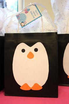 Uma leitora me pediu algumas ideias para decoração de uma festa com o Tema do Pinguim Pingu! Mais infelizmente não encontrei ainda!! Porém ...