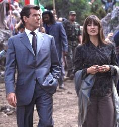Resultado de imagem para Sophie Marceau no  filme 19 filme de James Bond The World Is Not Enough (1999).