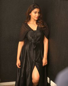 Indian beautiful teenage girls and actress thunder thighs sexy legs images and sexy boobs picture and sexy cleavage images and spicy navel i. Sexy Dresses, Nice Dresses, Short Dresses, Hot Actresses, Indian Actresses, Mini Frock, Bollywood Photos, Lakme Fashion Week, Most Beautiful Indian Actress