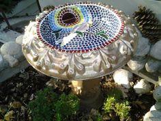 Peattie - stained glass mosaic birdbath by Sherryl Avitabile Mosaic Birdbath, Mosaic Glass, Stained Glass, Glass Garden Art, Glass Art, Bird Baths, Cycling Art, Artist Gallery, Yard Art