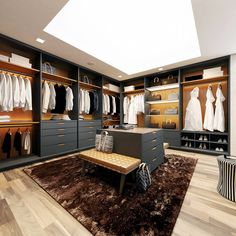 17 trendy Ideas for master closet designs benches Master Closet Design, Walk In Closet Design, Master Bedroom Closet, Closet Designs, Luxury Master Bedroom, Master Bedrooms, Wardrobe Cabinets, Bedroom Wardrobe, Wardrobe Closet