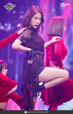 Sistar Soyou, Starship Entertainment, Kpop Girls, Snow White, Sisters, Korea, Disney Princess, Disney Characters, Toddler Girls