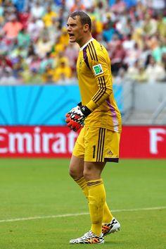 Manuel Neuer Photos: USA v Germany: Group G