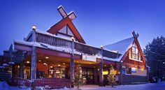 Lapland Hotel Äkäshotelli Äkäslompolo The stunning location of Lapland Hotel Äkäshotelli is well-suited to cross country skiers and mountain hikers. Enjoy spectacular views of snow-covered fields and hills dotted with pine trees.