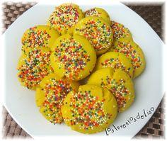 Los mantecaditos es un tipo de galletita muy típico de aquí de PR.     En las panaderías boricuas se encuentran con frecuencia   pero de u...