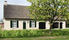 Herbouw traditionele brabantse boerderij te Gilze, Noord-Brabant, voorgevel.