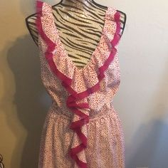 Ann Taylor Dress Ann Taylor Loft dress size med fuschia and white has lining hits above kneeshas elastic at waist but it is not tightbeen worn twice Ann Taylor Dresses