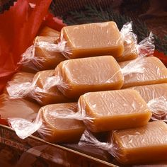Aunt Emily's Soft Caramels Recipe from Land O'Lakes.this is the BEST soft caramel recipe! Köstliche Desserts, Delicious Desserts, Dessert Recipes, Yummy Food, Recipes For Snacks, Hard Candy Recipes, Soft Caramels Recipe, Microwave Caramels, Homemade Candies